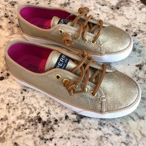 Other - NWOT Sperry Kids gold leather sneakers shoes